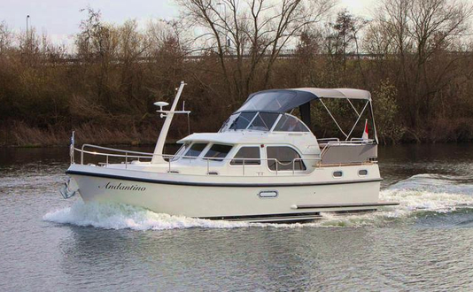 Linssen Grand Sturdy 30.9 AC Revinia